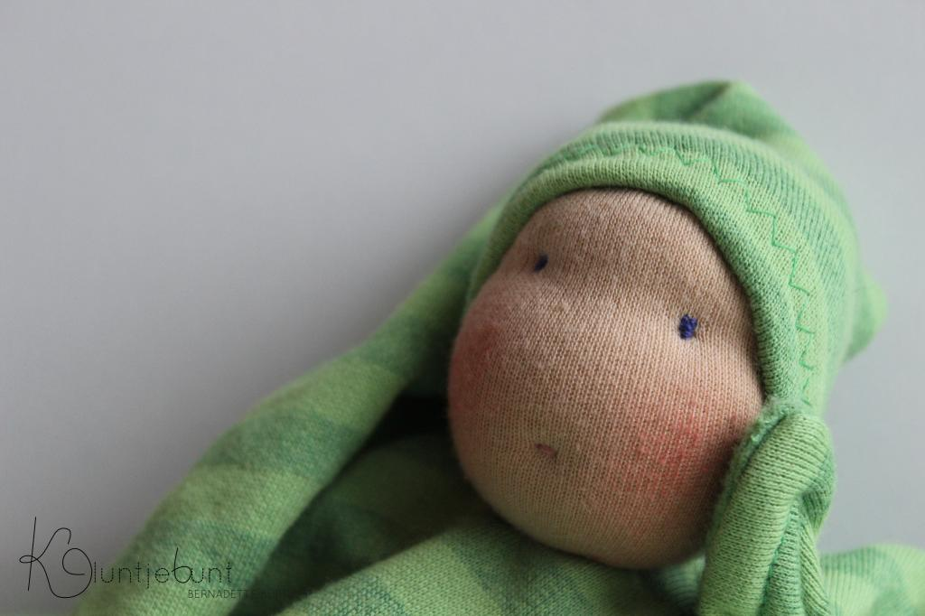 Vegane Puppe nach Waldorfart von Kluntjebunt Bernadette Burnett aus Bambussweat von Stoffprinzessin.