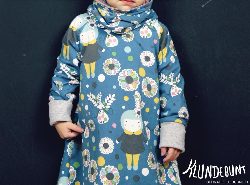 """Lillestoff """"Wintermädchen"""" by Bernadette Burnett Kluntjebunt als Klimperklein Raglankleid"""