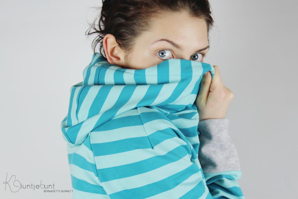 Ottobre Design Sweatjacke aus Marrakesh + Kombi von enemenemeins/Lillestoff genäht von Bernadette Burnett Lillestoff.